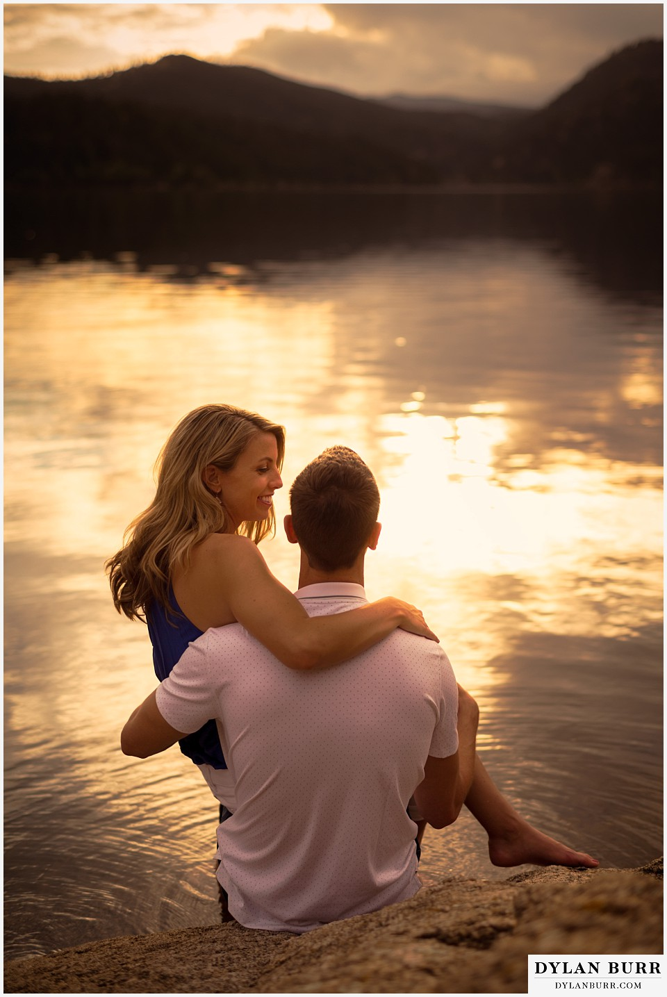 boulder sunset engagement session at the lake