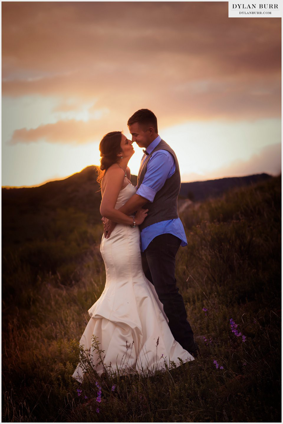colorado sunset wedding photos bride and groom