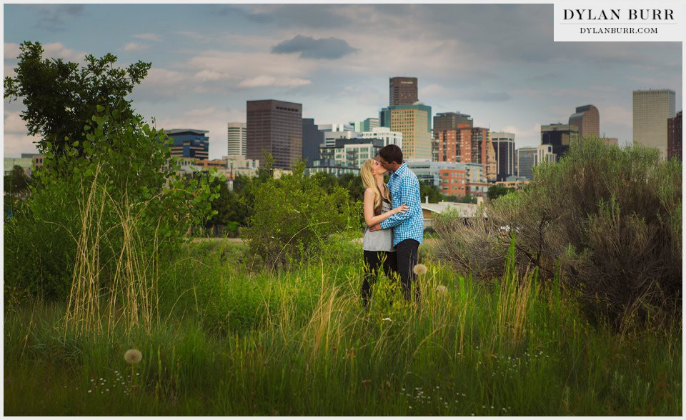 downtown denver engagement photos of skyline