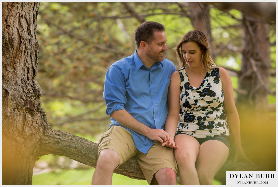 outdoor denver engagement photos