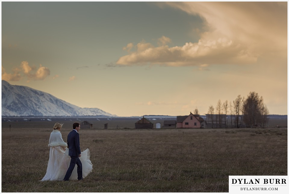 grand teton destination wedding moulton barn