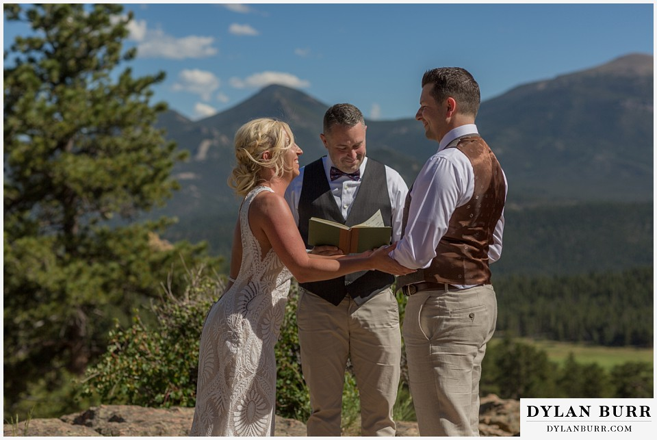 rocky mountain national park wedding elopement exchanging rings