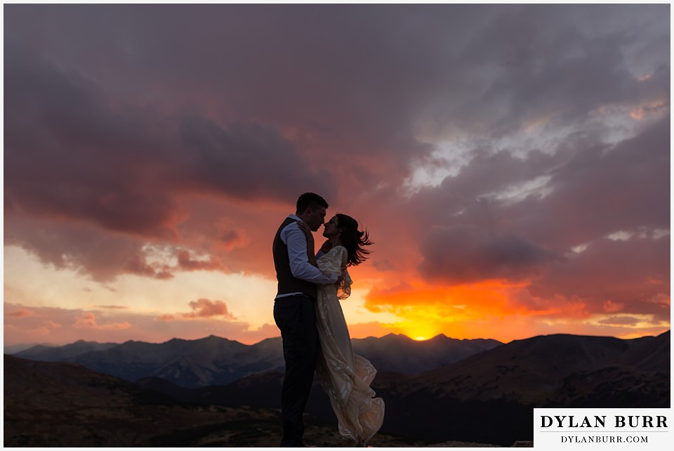 rocky mountain national park wedding colorado at sunset