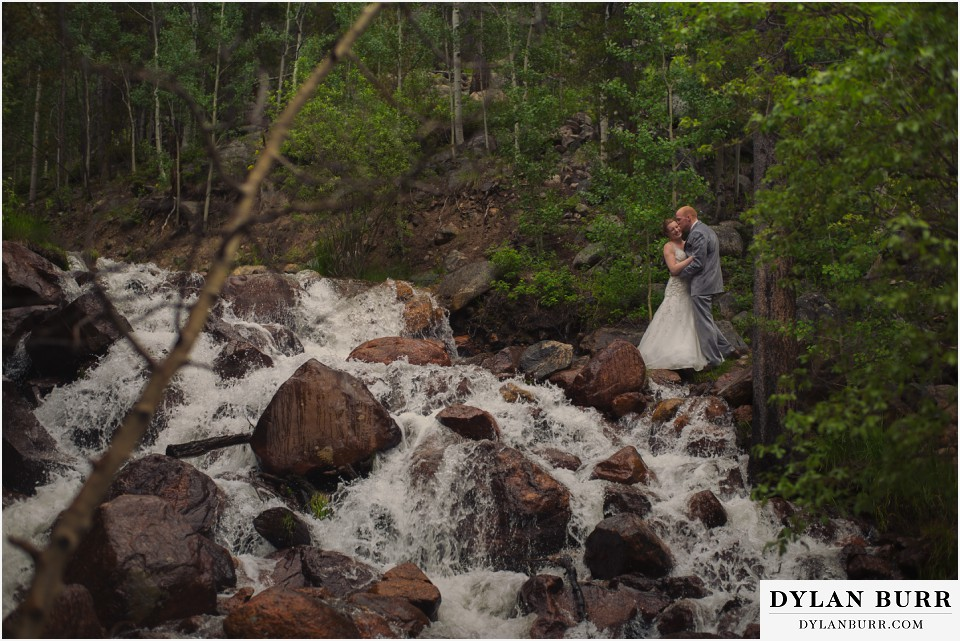 silverlake lodge colorado wedding waterfall