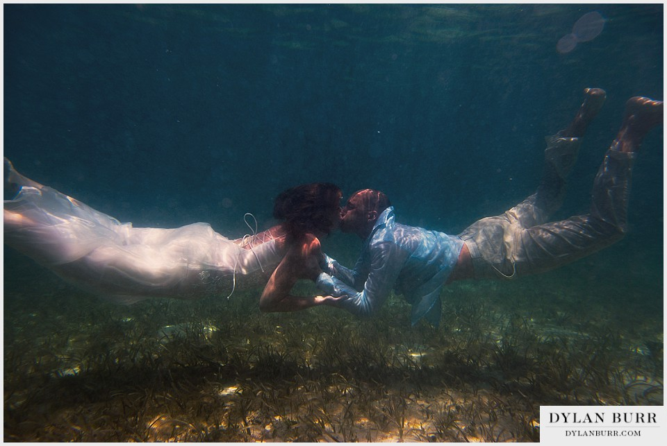 underwater wedding photography kissing turks caicos